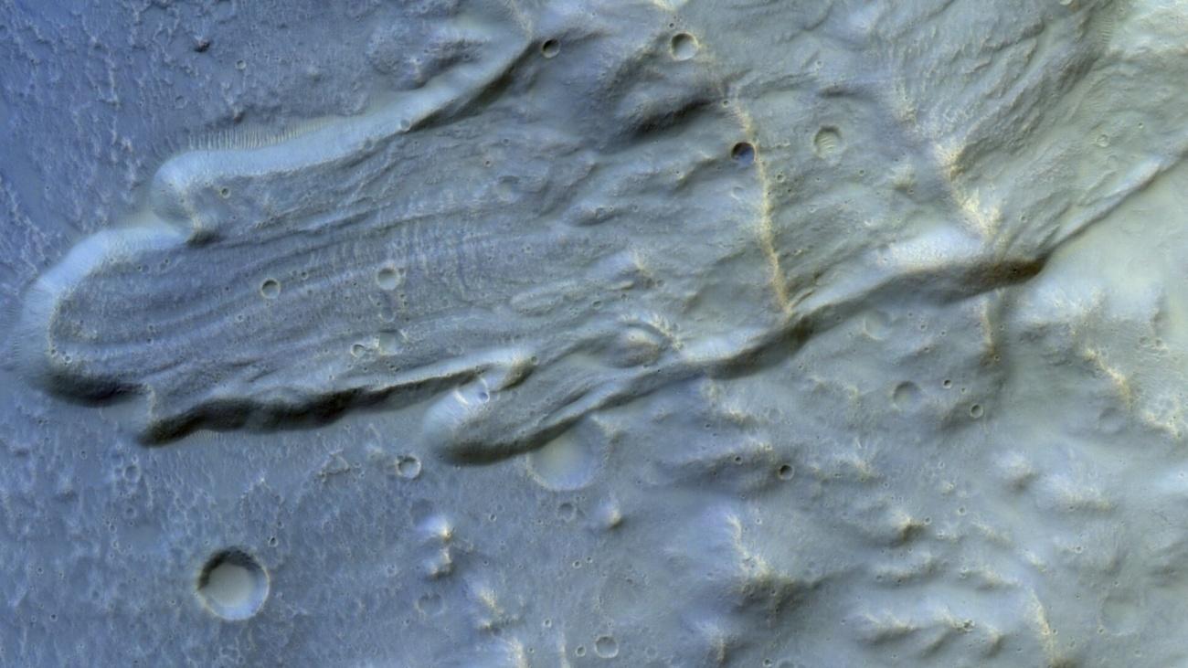 На Марсе заметили масштабный оползень: впечатляющее фото