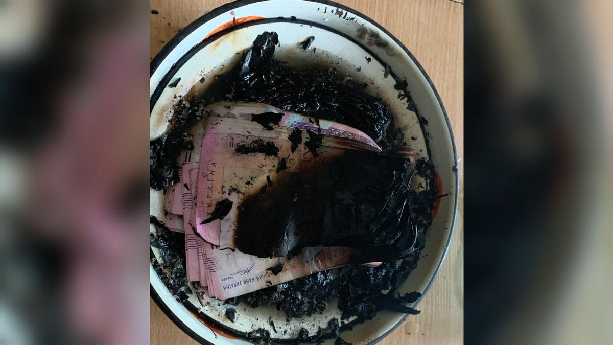 """В Днепре женщина сожгла 90 тысяч и устроила пожар: приказали """"голоса"""" (фото)"""