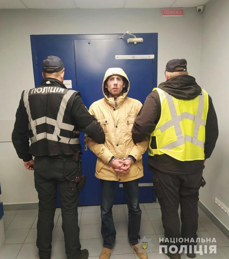 В Киеве вор пробрался в дом и вынужден был быстро бежать (видео)
