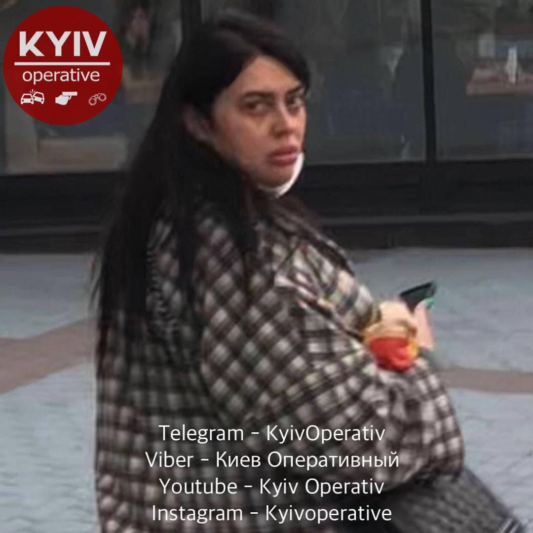 """В киевском ТЦ жестоко избили девушку: """"ты еще от меня убегать будешь"""""""