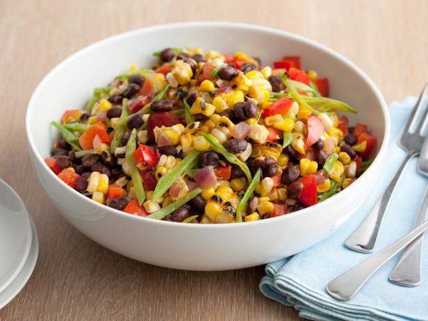 Этот салат порадует обилием цветов и вкусов