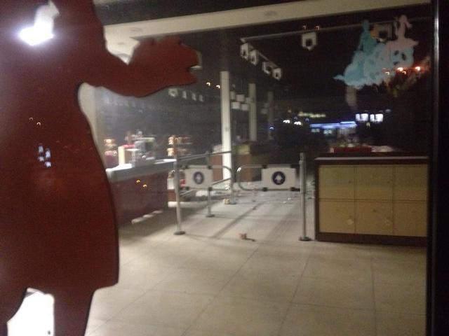 Взрыв в Рошен (фото, видео): Взрыв в магазине Roshen в Киеве квалифицирован как хулиганство, - МВД - Новости Украины - Происшествия - ROSHEN, Киев, Министерство внутренних дел Украины, Рошен, фото, видео, взрыв - РБК Украина