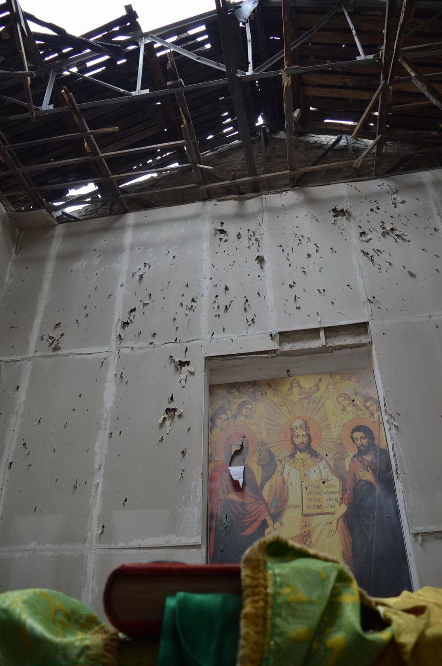 За время АТО в Луганской обл. повреждены 8 церквей, - ЛОГА