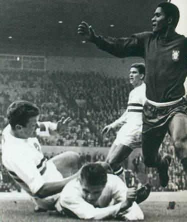 В Португалии умер футболист Эйсебио