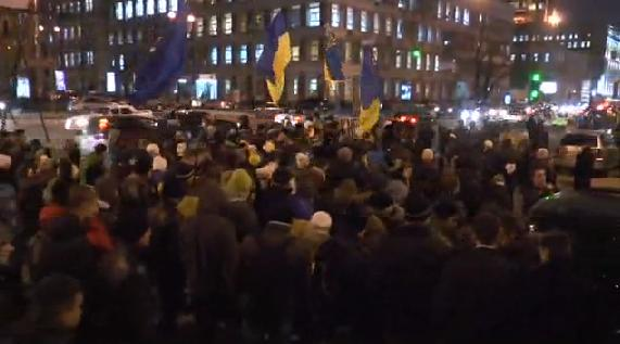 Десятки тысяч студентов пришли сегодня на Евромайдан