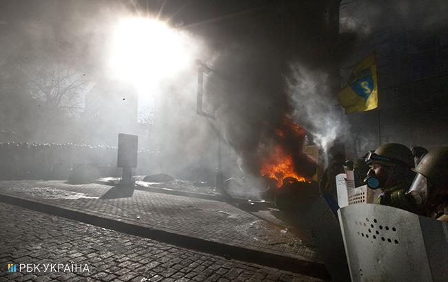 """""""Единственный выход продержаться – жечь покрышки"""": фотограф вспомнил 18 февраля 2014 года на Майдане"""