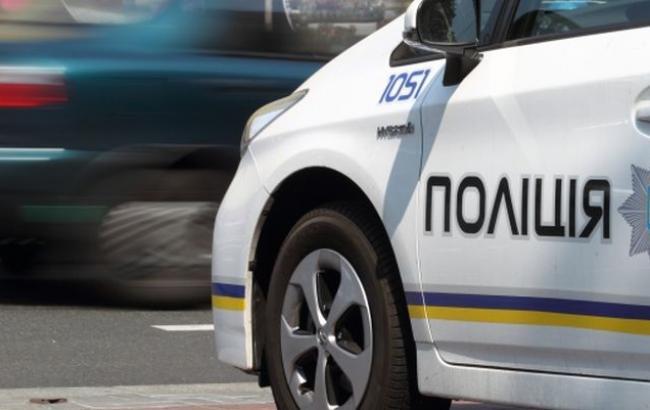 За кермом поліцейського авто, що насмерть збило жінку в Києві, був найманий водій