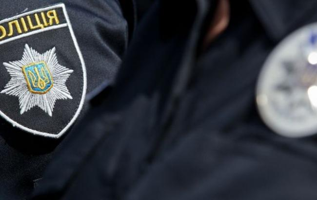 Фото: поліція перевіряє інформацію про замінування Апеляційного суду Києва