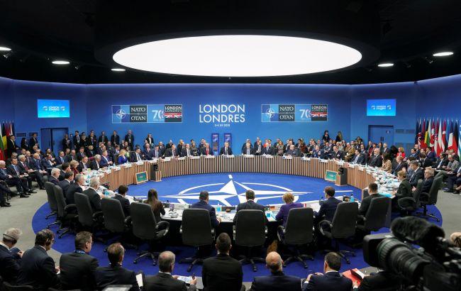 НАТО скликає екстрену нараду через вихід США з Договору про відкрите небо