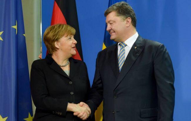 Порошенко и Гройсман поздравили Меркель с победой на выборах в Бундестаг