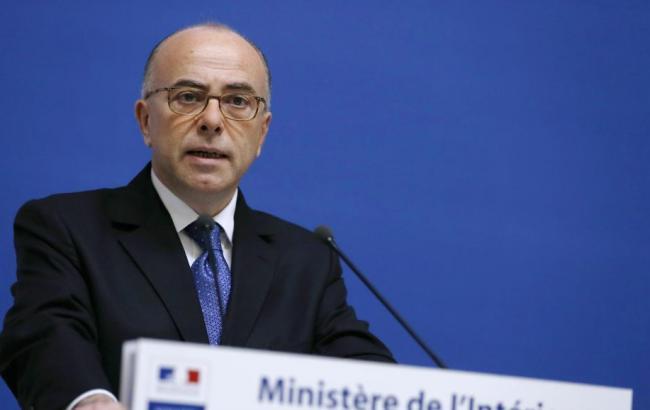 Глава МВД Франции заявил, что теракты в Париже были подготовлены за границей
