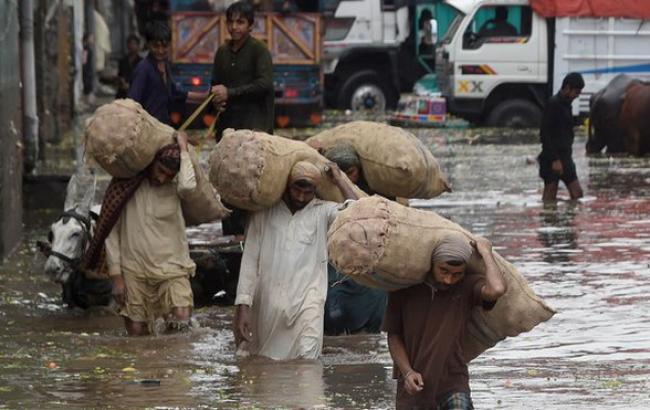 Число жертв в итоге наводнений вПакистане выросло до 43