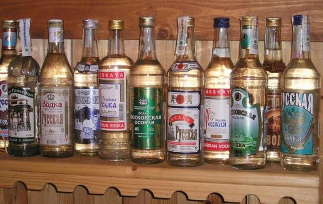 Фото: сенатор предложил приостановить, или запретить продажу российской водки