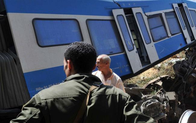Фото: в Алжире столкнулись два поезда