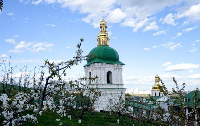 В Киеве подтвердили новые случаи COVID-19 в лавре и ионском монастыре