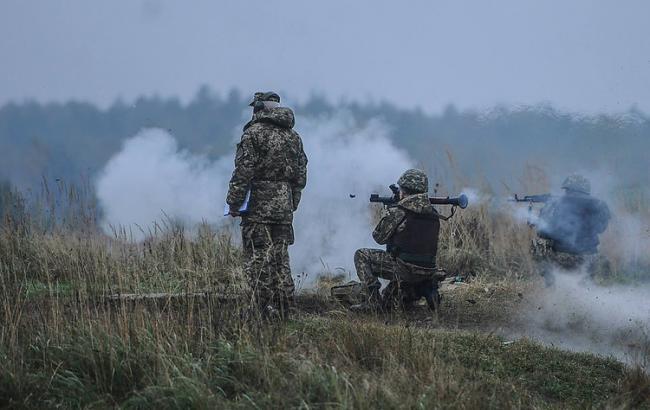 Бойовики штурмували позиції сил АТО в районі Новотроїцького