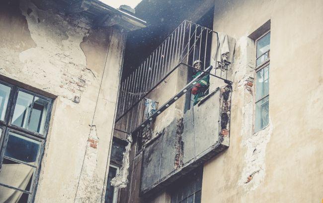 У Тернопільській області обвалився балкон житлового будинку, є травмовані