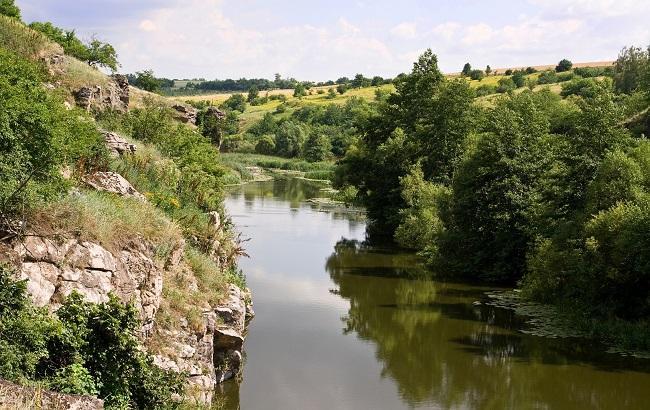 Фото: река Горный Тикич ежегодно все больше мелеет (bootenko.com)