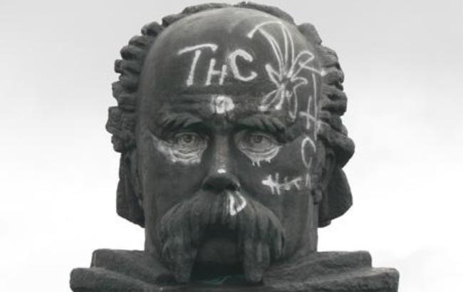 ВПольше украинские монументы могут приравнять ксимволам тоталитарного режима