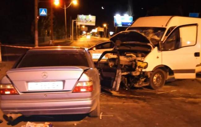 В Одеській області зіткнулись авто та мікроавтобус, є загиблий і постраждалі