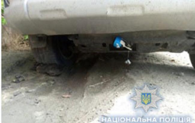 В Одессе под автомобилем обнаружили шумовую гранату