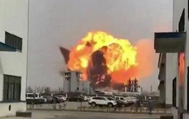 У Китаї прогримів потужний вибух на хімзаводі