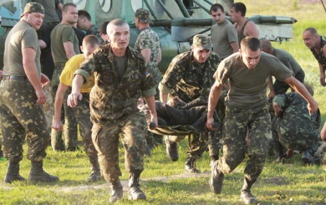 В зоні АТО за добу загинув один український військовий, 15 отримали поранення, - штаб