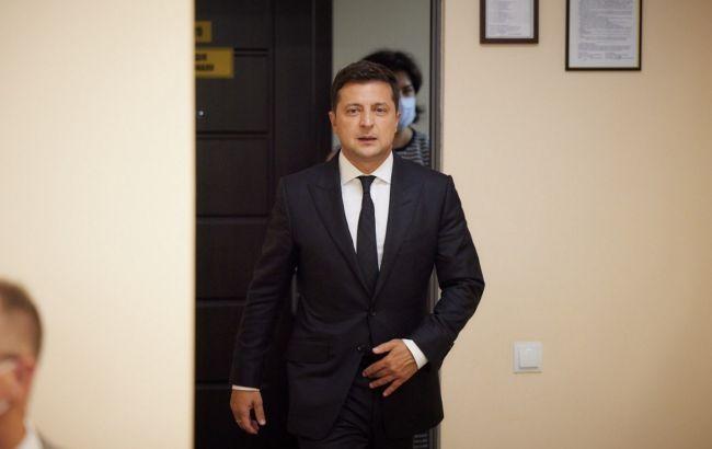 Зеленський прибув на Донбас: глава держави відвідає позиції ООС