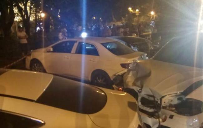 В Одессе столкнулись шесть автомобилей, есть пострадавшая