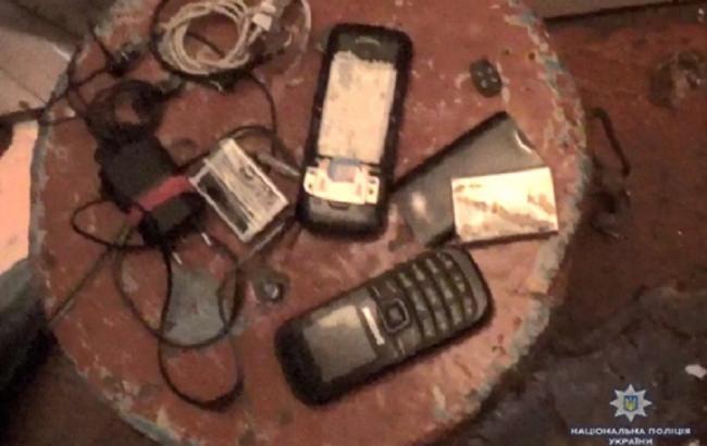 В Чернівецькій області викрили групу телефонних шахраїв, якою керував в'язень