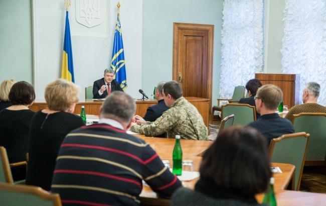 Порошенко рассказал подробности подготовки к обмену заложниками