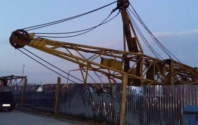 Нановостройке воЛьвове упал кран: строитель вочень тяжелом состоянии