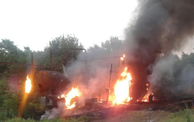 Фото: пожар на нефтебазе (dsns.gov.ua)