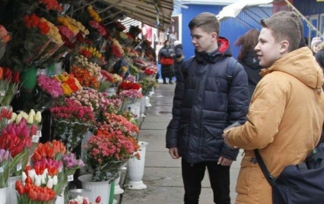 """Вятрович """"делает все возможное"""" для отмены выходного дня 8 марта"""