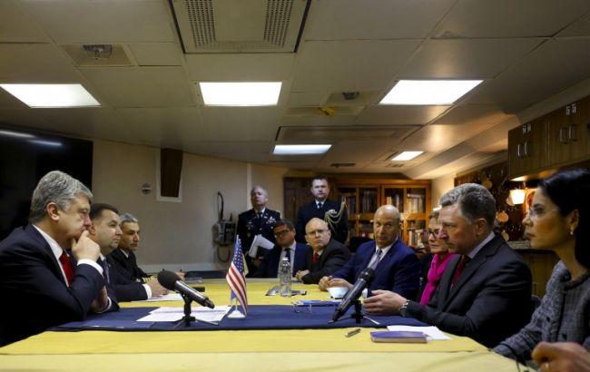 Порошенко та Волкер обговорили збільшення військової присутності США в Чорному морі