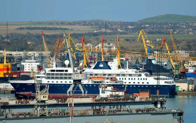 Фото: Керченський торговельний порт