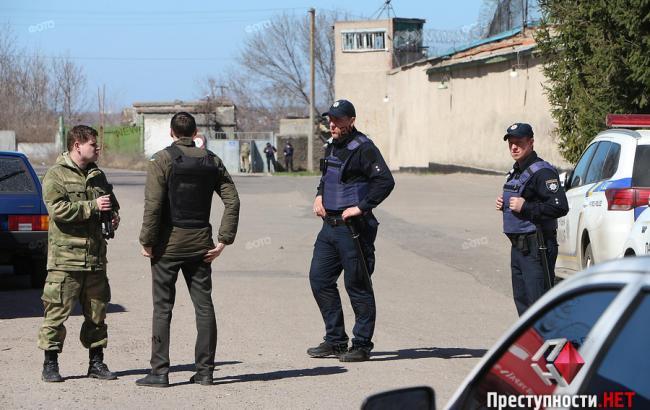 Фото: правоохранители вокруг СИЗО в Николаеве (news.pn)