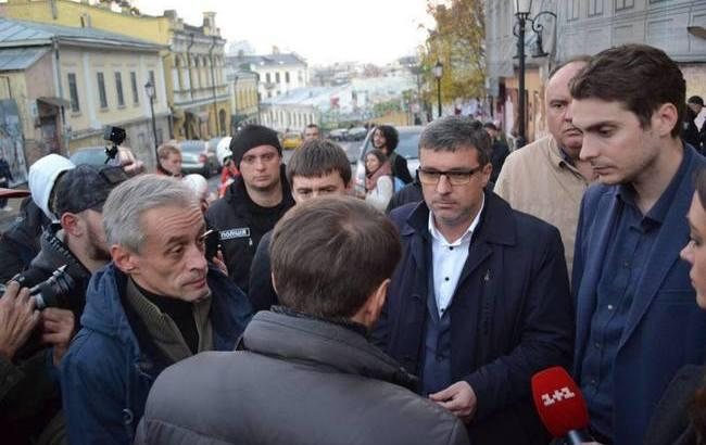 Основна вимога міста – забудовник Андріївського узвозу мусить виконати свої обіцянки, – депутат