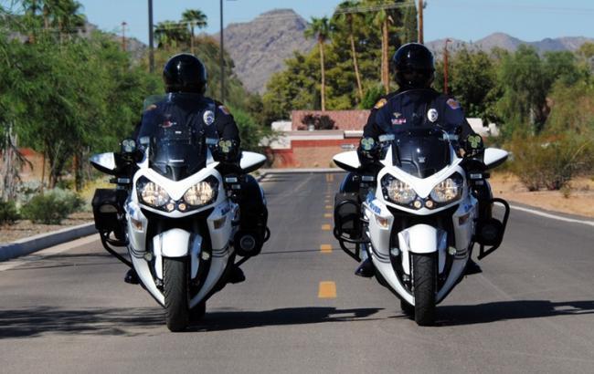 Фото: Поліція на мотоциклах (fr.pinterest.com)