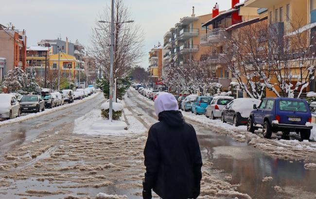 Из-за непогоды в Греции погибла женщина, еще двух людей разыскивают