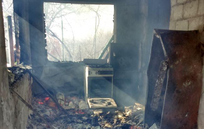 Фото: наслідки пожежі на дачі в Харківській області