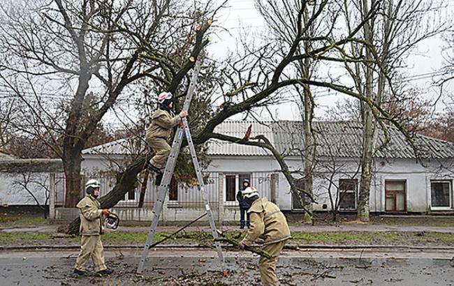 В Україні через негоду знеструмлено 172 населених пункти