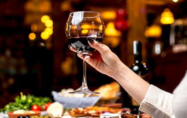 Червоне вино може продовжити життя: медики назвали незвичайний спосіб
