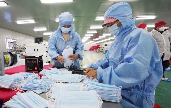 В Китае от коронавируса умерли уже 1369 человек