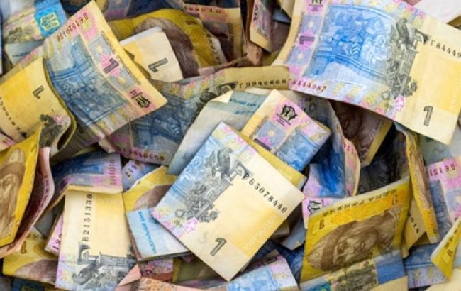 Курс долара на міжбанку о 12:45 знизився до 26,22 гривень