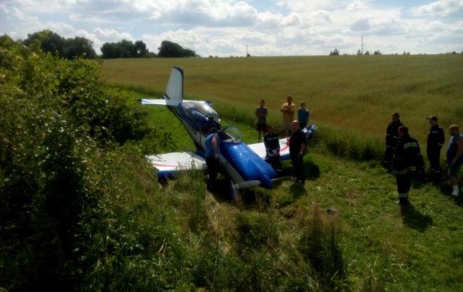 Фото: у RV-8 пошкоджено шасі і зламане крило