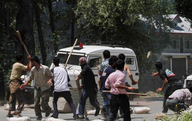 В результате стычки на религиозной почве в Индии один человек убит и 14 ранено