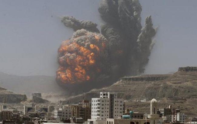 Фото: авиаудар в Йемене