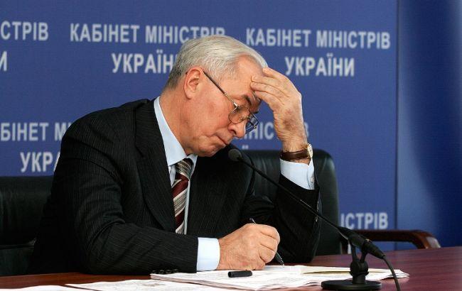 Суд арестовал земучасток Азарова в Ялте за применение водометов на Майдане