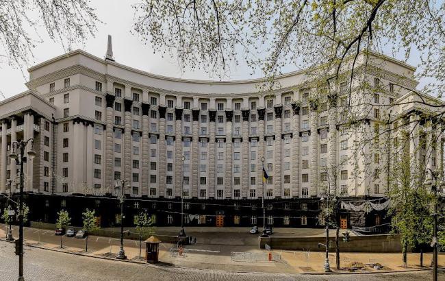 """Фото: правительство выделило еще 100 млн гривен на """"теплые"""" кредиты"""